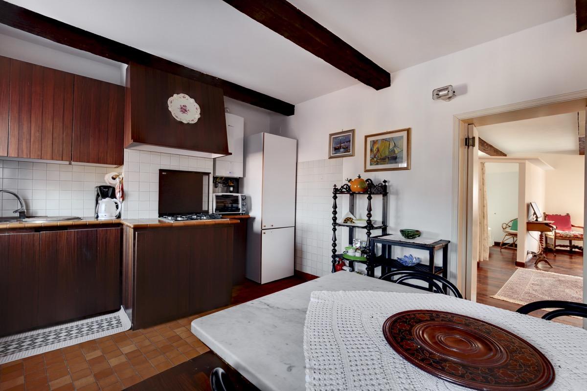 East Studio apartment